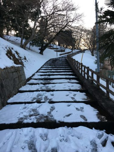 雪の布施弁天へ向かう途中